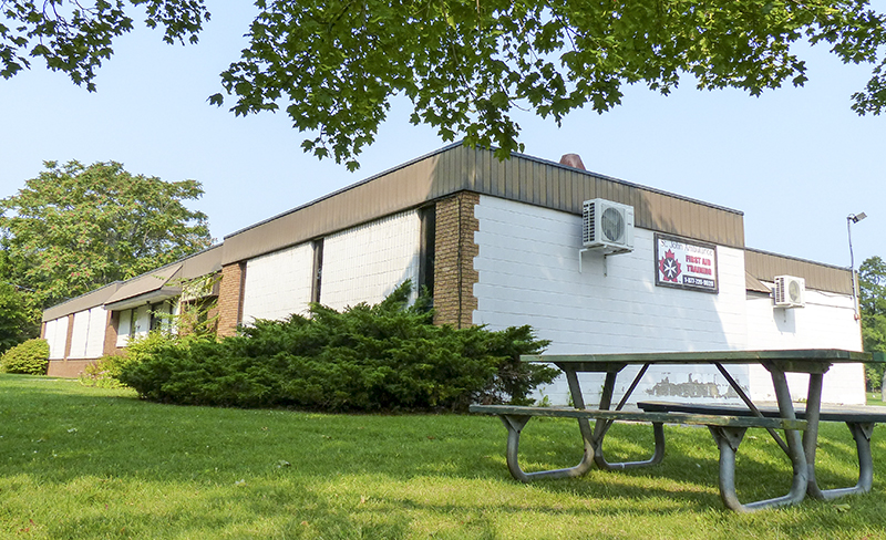 The Sarnia Kinsmen Community Centre will be torn down and replaced with five homes fronting onto Lakeshore Road. Journal Photo